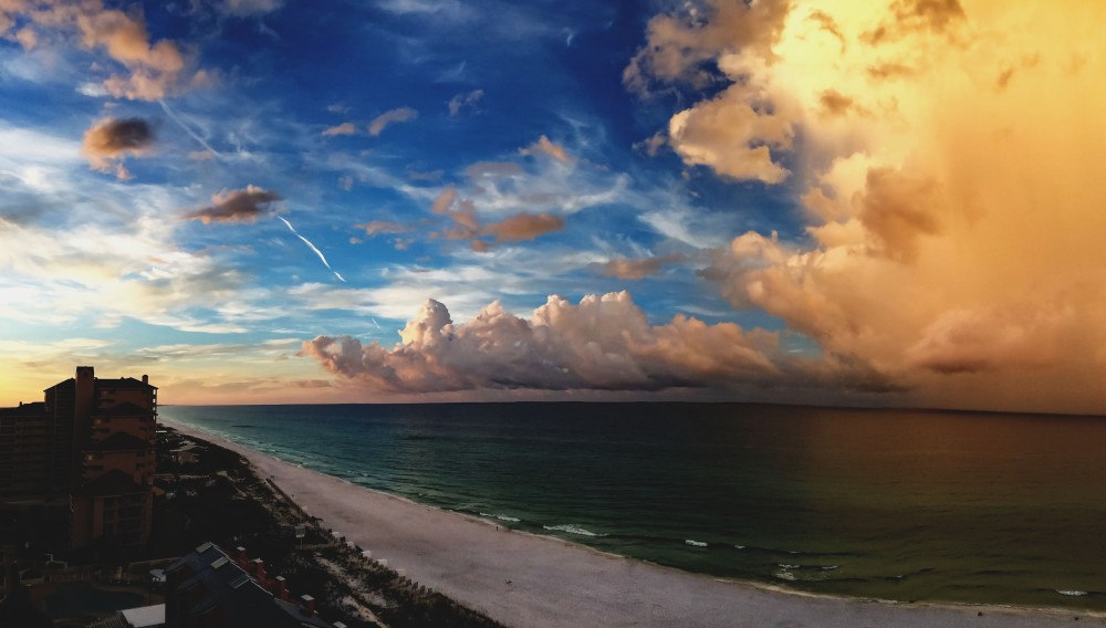 Image of an early sunrise overlooking the ocean in Destin, Florida.